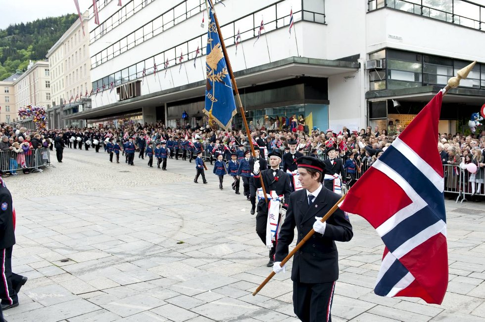 Mathiamarkens Bataljon i Flaggtoget.  (Foto: Skjalg Ekeland)