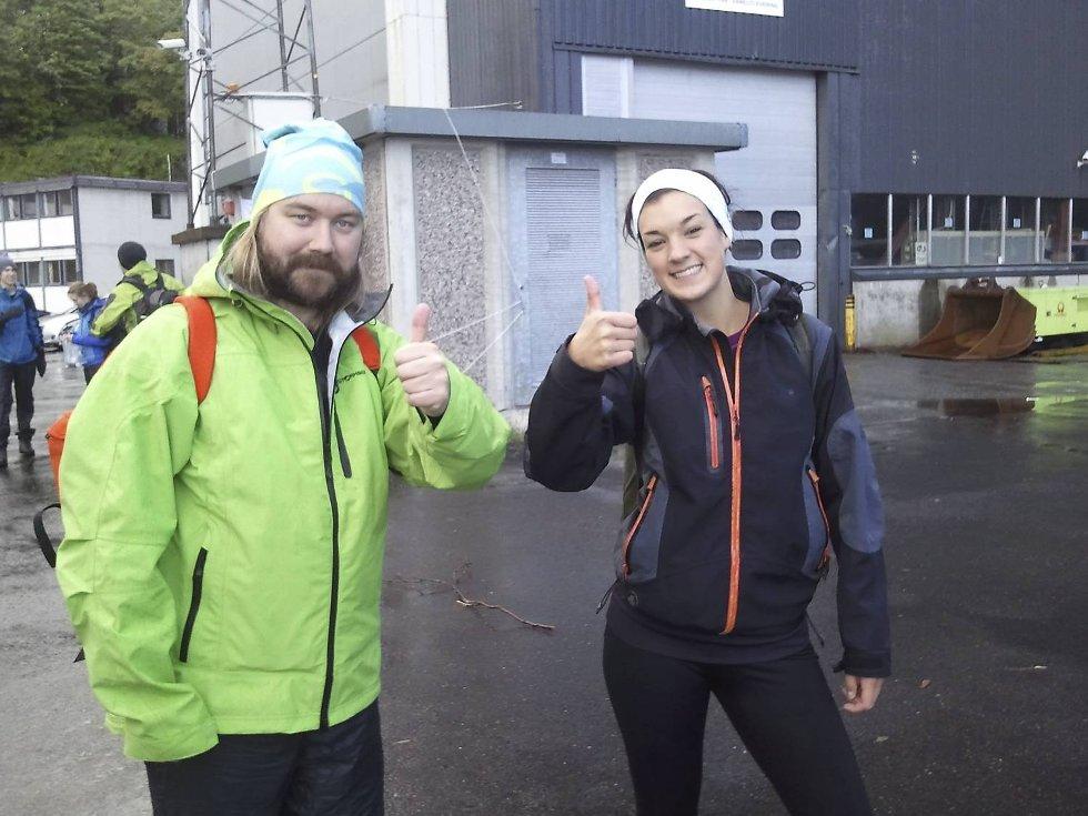 Per Jakob Skaanes og Hanna Rivenes har reist helt fra Lillesand for å være med på 7-fjellsturen (29.05.2011). (Foto: Linda Hilland)