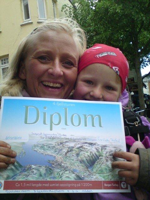 Ingrid 7 år, 1. gang på 4-fjellstur, mamma er stolt:) (Foto: Leserbilde)