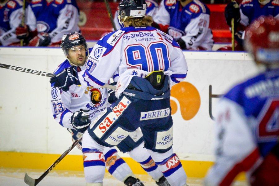 GET ligaen , Ishockey , 17.09.2010 , Jordal Amfi , Vålerenga v Sparta , Magnus Selvaag og Jonas Djupvik Løvlie , Foto: Thomas Andersen (Foto: Thomas Andersen)