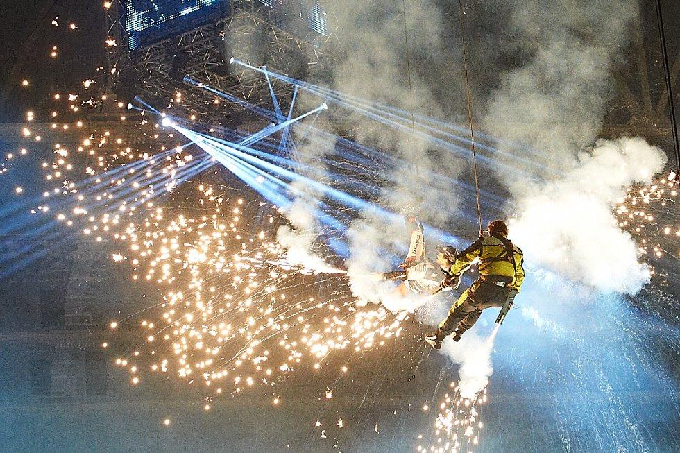 Petter Solberg og storebror Henning åpnet Solberg Extreme Motorshow  i Telenor Arena. . Foto: Dmitry K Valberg (Foto: )