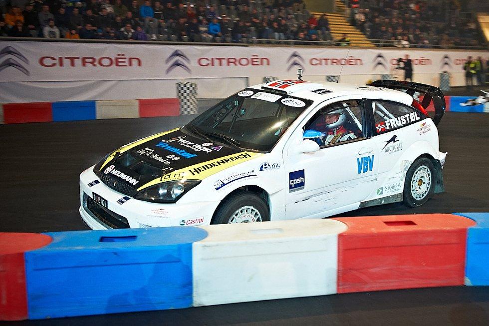 Litt crash for Svein Frustøl med Ford Focus (Foto: )