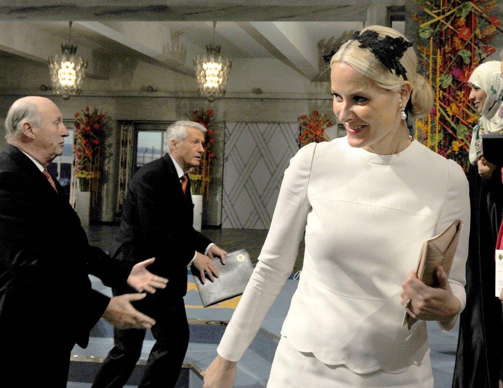 Kronprinsesse Mette-Marit strålte i Oslo rådhus lørdag. (Foto: Terje Pedersen, ANB)