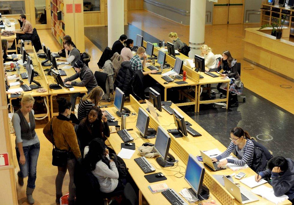 Stadig flere utlendinger tar doktorgrad ved Universitetet i Bergen.