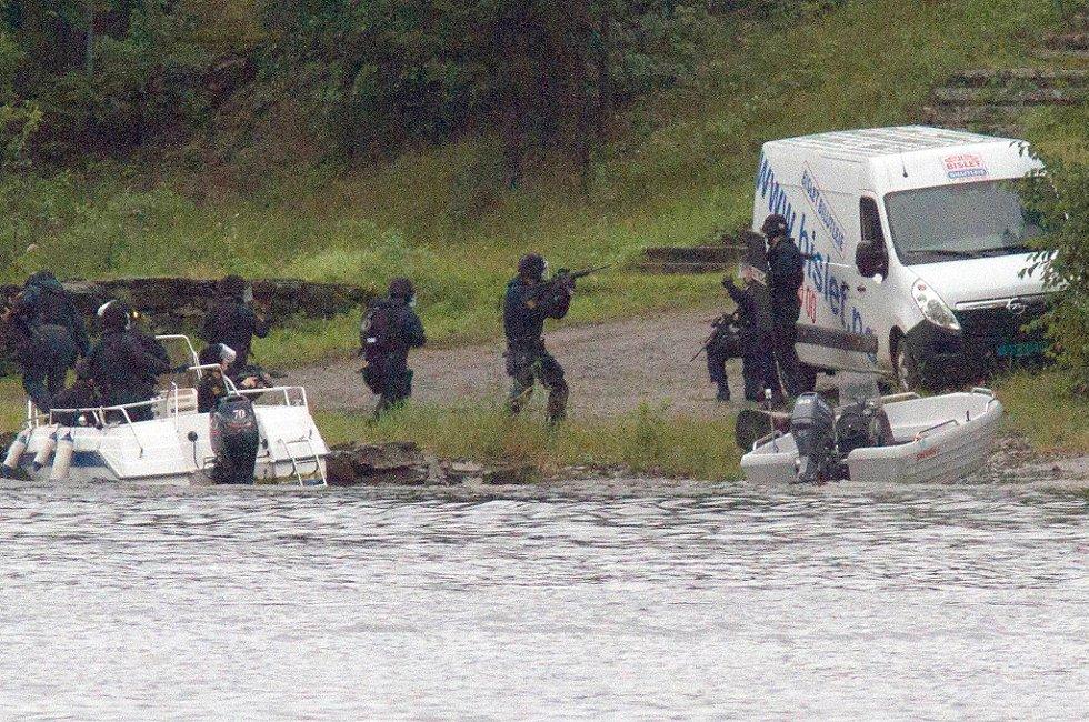 Flere politifolk skal ha trosset ordren om å møte i Hønefoss.