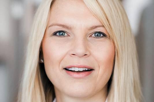 Salgsdirektør i Experian, Tina S. Rellsve, konstaterer at det blir stadig flere dårlige betalere i Norge.
