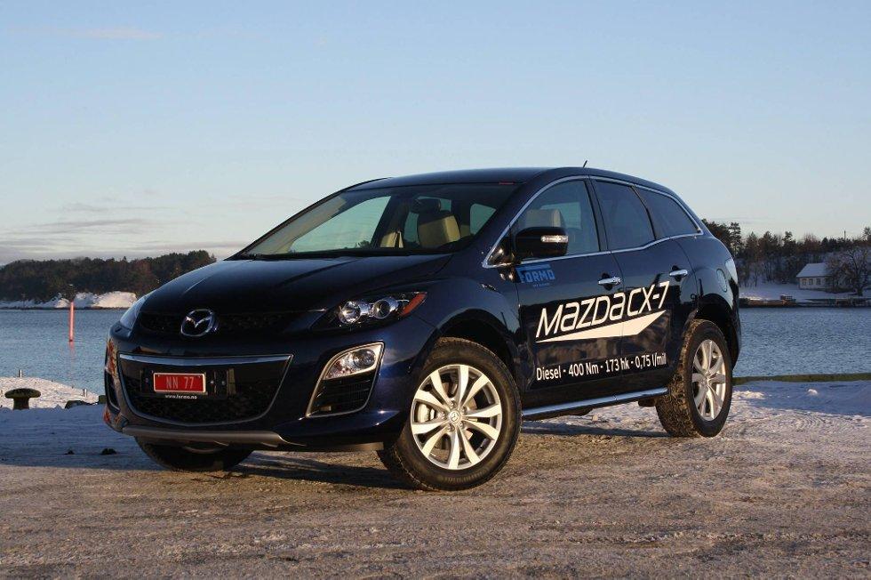 STERKT AV EN SUV: Mazda CX-7 har svært gode bremser til høy og tung firehjulstrekker å være.