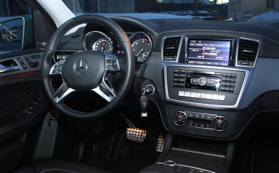 KVALITET: Interiøret i nye Mercedes-Benz ML har høy materialkvalitet og er rikt utstyrt.