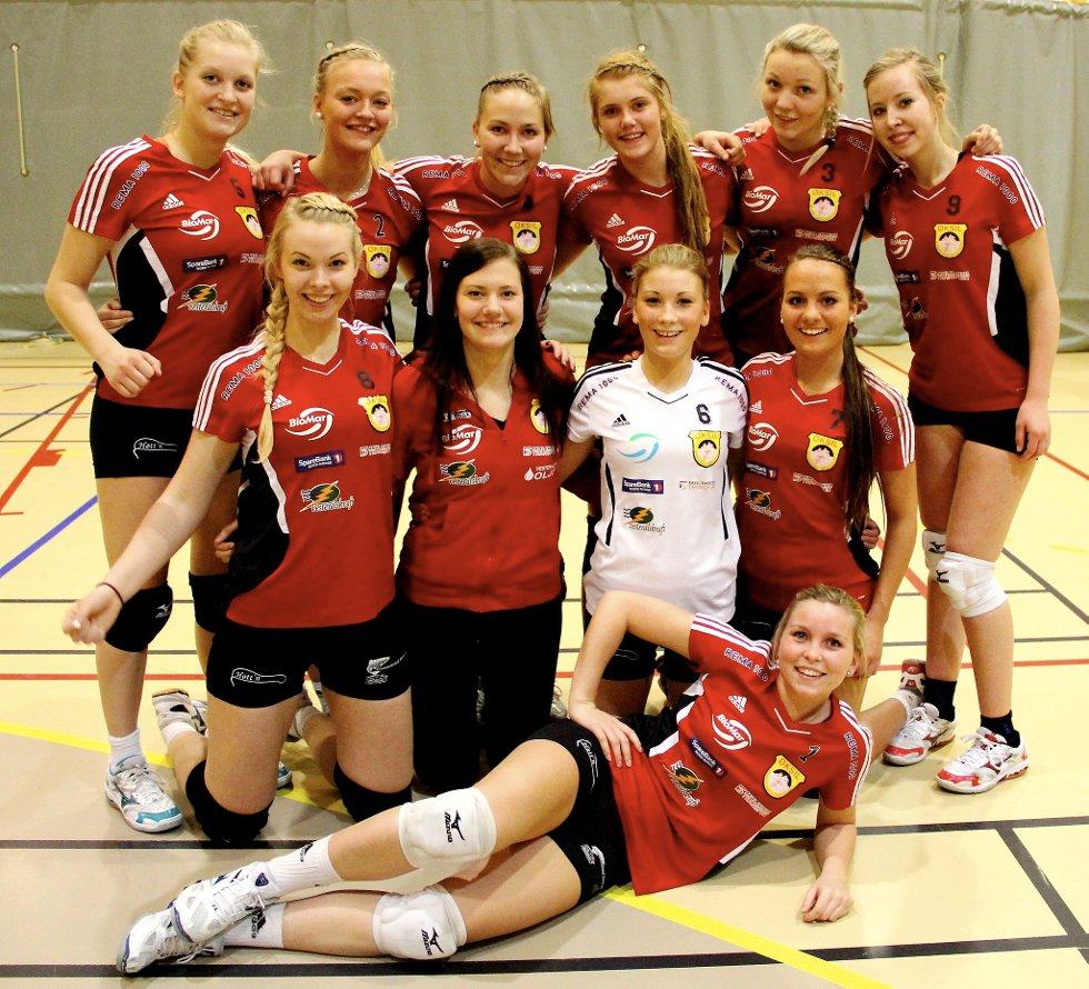 Øksil-jentene har vunnet alle sine kamper i 2. divisjon.