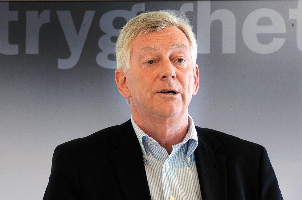 Thomas Angell, direktør i Virke Handel, er bekymret for den stadig økende grensehandelen. Han mener norske politikere må gjøre noe med de store avgiftsforskjellene.