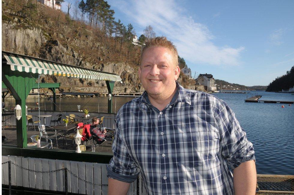 Fritidsfisker og gourmetkokk:  Thomas Tangen sier sitt hjertets mening om det planlagte fiskeforbudet i Tvedestrand.