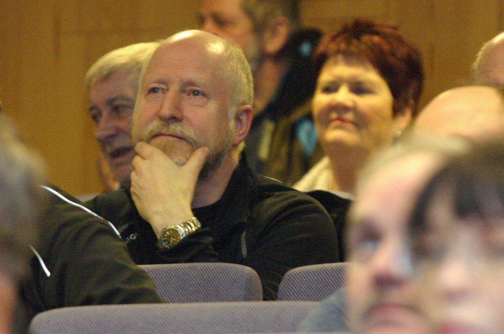 Åpent møte om Stokkas fremtid, 12. mars 2012. Auditoriet, Sandnessjøen videregående. Rundt 100 møtte på møtet som flyplassutvalget i Alstahaug arrangerte. Foto: Lars Olve Hesjedal (Foto: )