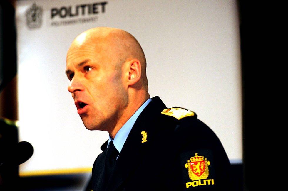 Politidirektør Øystein Mæland beklager at Anders Behring Breivik ikke ble tatt før.