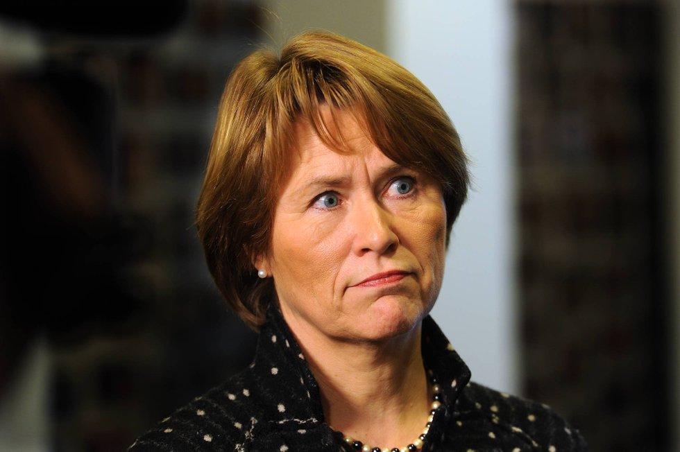 Justisminister Grete Faremo vil ikke stille asylsakene i bero, slik mange nå krever.