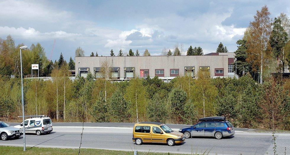 STØTTER: Byggesaksjef Åse Otterdahl Møller mener at er forsvarlig å tillate sportsforretninger på Kjørbekk i Skien, selv om det strider mot den gjeldende byplanpolitikken.