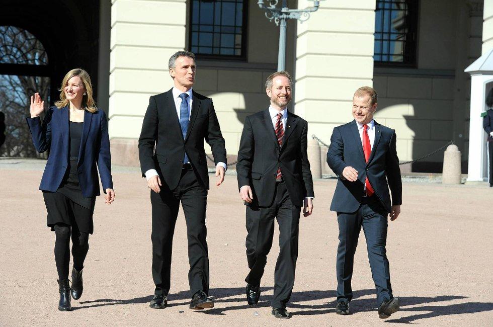 Etter statsråd fredag presenterte statsminister Jens Stoltenberg (Ap) de nye SV-statsrådene Inga Marte Thorkildsen, Bård Vegar Solhjell og Heikki Holmås.