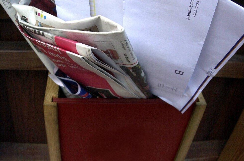 En overfylt postkasse er klar beskjed til potensielle innbruddstyver om at det ikke er noen hjemme.