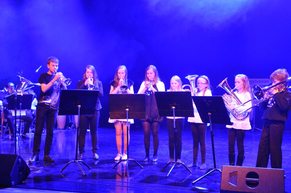 «Melodifest fra Dalen» (Foto: Erlend Hykkerud)