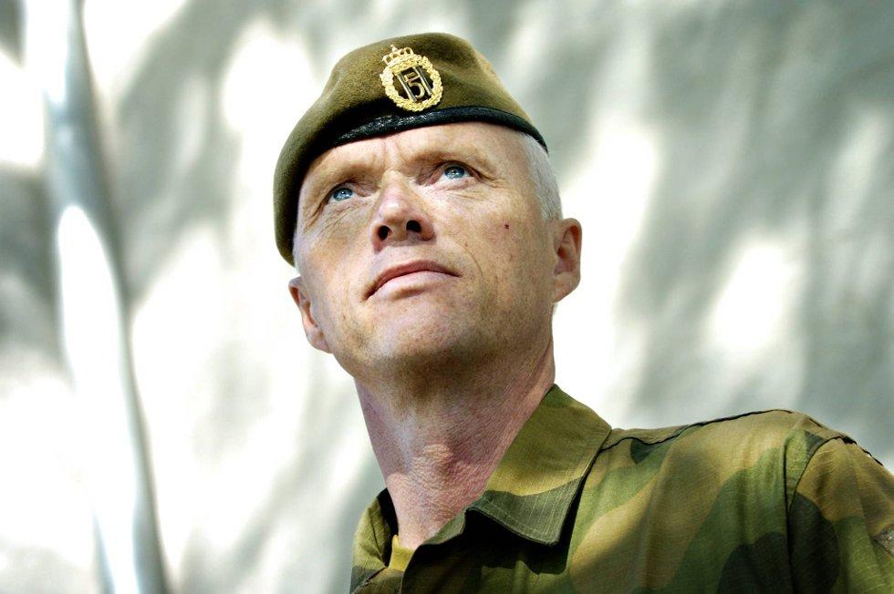 Robert Mood skal lede et FN-team i Syria.