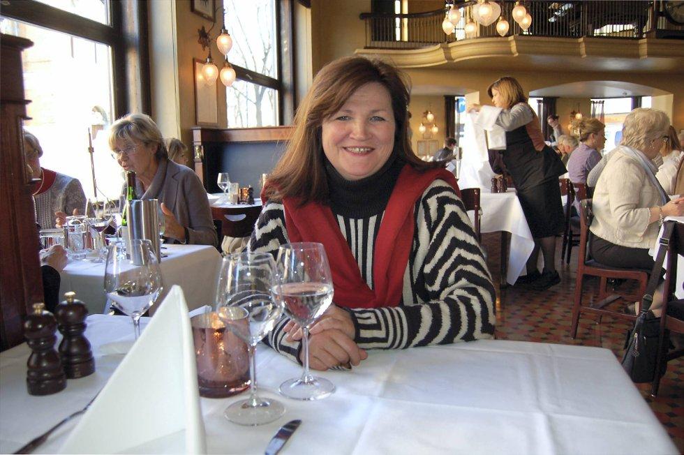 Gunn Ovesen drikker alkoholfritt i jobbsammenheng. Nå om dagen går det i alkoholfritt også privat fordi hun er en av frontpersonene i Helsedirektoratets kampanje «Hvite uker».