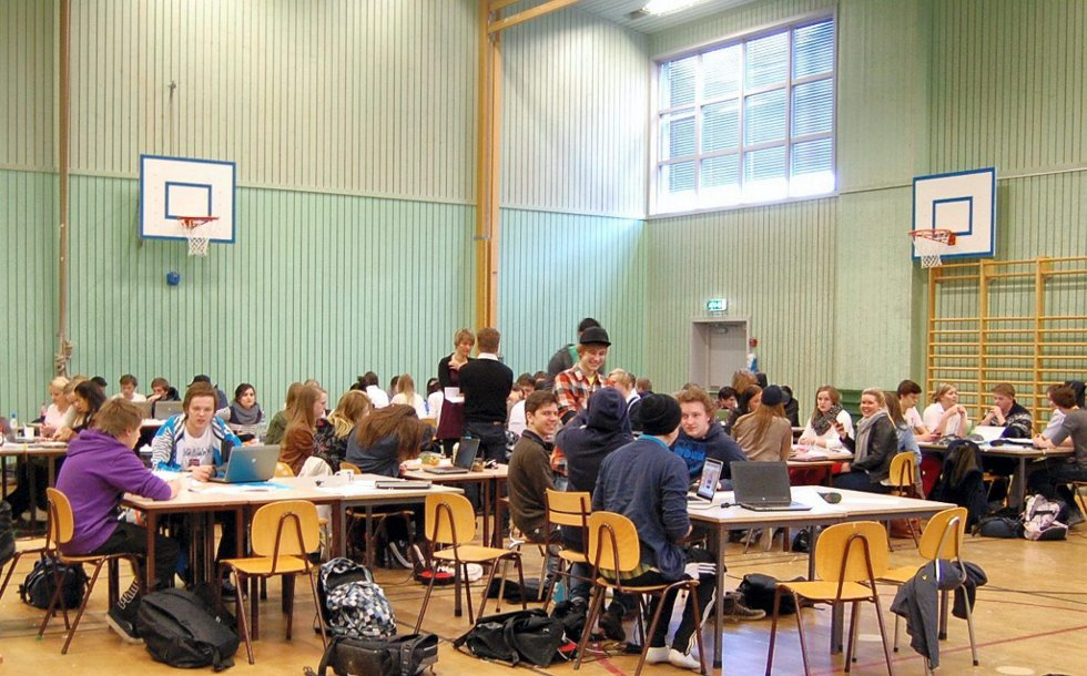 KREATIVE UNGDOMMER: Den årlige Enterprise-konkurransen på Øvrebyen setter kreative, unge hoder i sving. Det var mange om beinet om hvem som ønsket å gå videre til den internasjonale Enterprise-konkurransen i Tyskland.     BILDER: HELLE BROLØKKEN SVEEN OG SYNNE EMILIE OLSEN