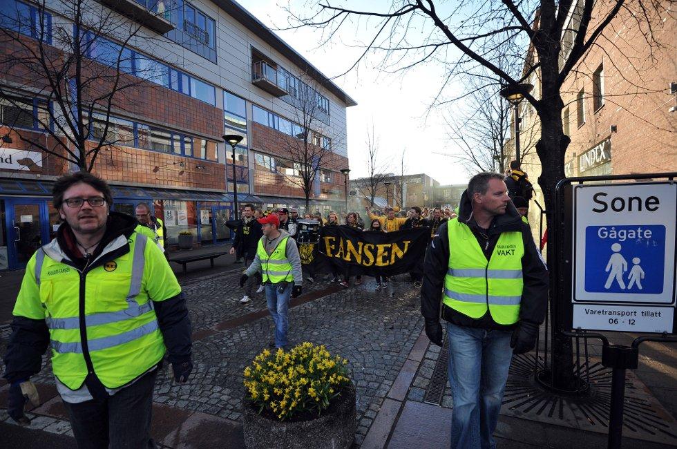 AVMARSJ: Veien går til Åråsen stadion. (Foto: Vidar Sandnes                   )