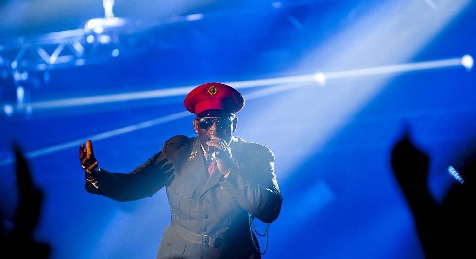 90-tallshelten Captain Jack startet hele showet i Vestlandshallen.