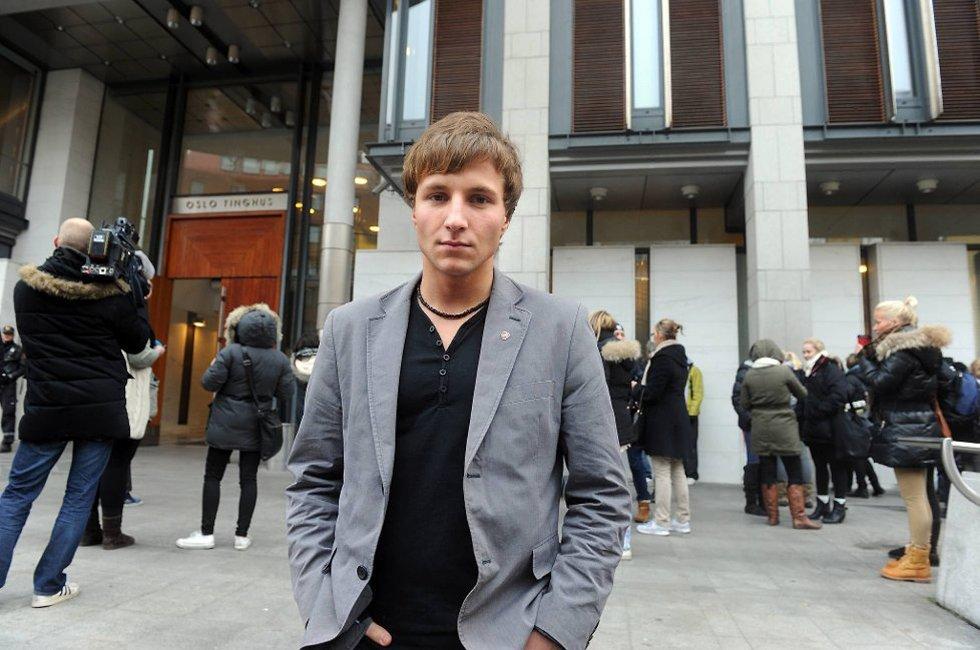 Adrian Pracon (21) syntes ikke han fikk noen svar fra den terrortiltalte mandag.
