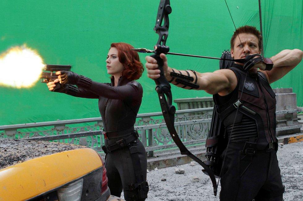 SUPERLAG: Når verden trues med utslettelse, er det opp til Hawkeye (Jeremy Renner) og Black Widow å ordne opp.