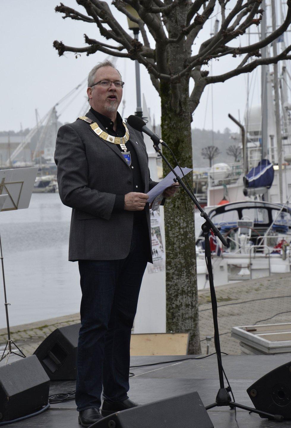 Ordfører Per K. Lunden gjorde sin tale kort og god under åpningen av årets kulturnatt.