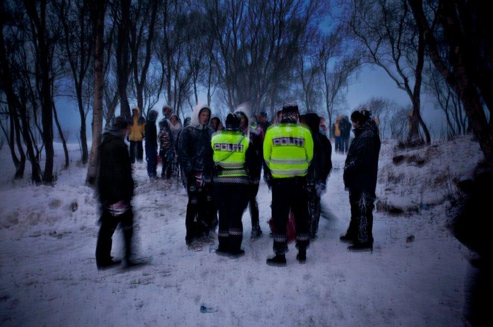 PÅ PLASS: Politiet hadde ikke så mye å gjøre, men patruljene var på plass. (Foto: Vidar Dons Lindrupsen)