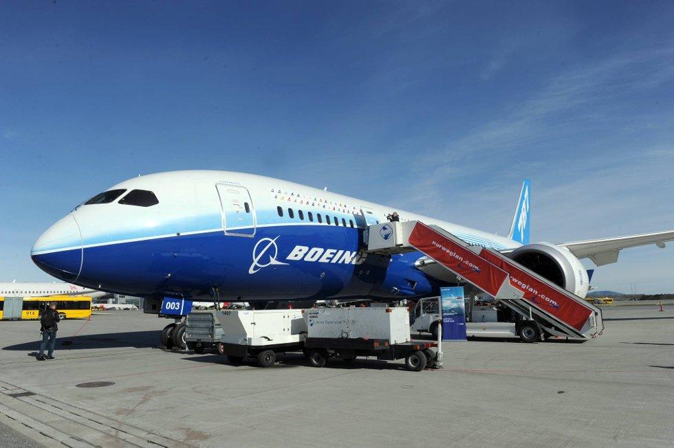 Superflyet 787 Dreamliner er nå i Norge. Norwegian har bestilt seks fly av denne typen. (Foto: Terje Pedersen, ANB)