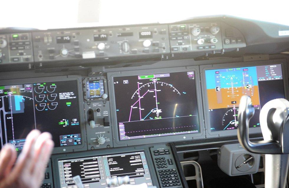 Norwegians nye fly er spekket med høyteknologisk utstyr.  (Foto: Terje Pedersen, ANB)