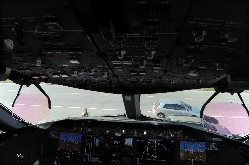 Cockpiten i det nye superflyet.  (Foto: Terje Pedersen, ANB)