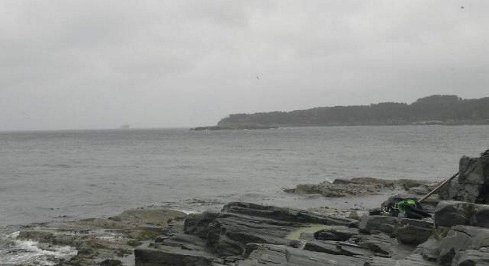 Her på Hellesøy ble dykkeren funnet i god behold.