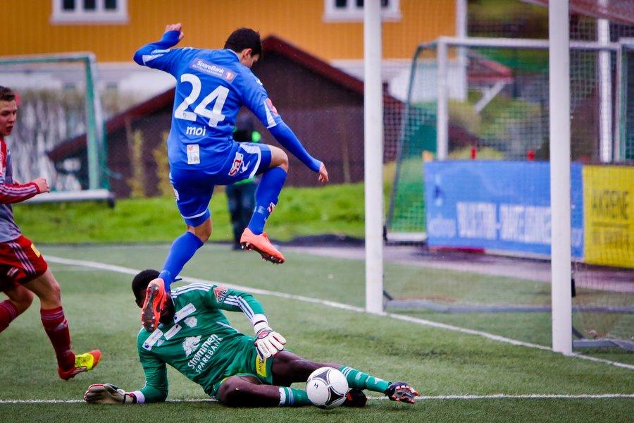Adeccoligaen , Fotball , 13.05.2012 , Strømmen Stadion , Strømmen v Sarpsborg 08 , Mohamed Elyounoussi er nær ved å sette inn 2-0 , Foto: Thomas Andersen (Foto: Thomas Andersen)