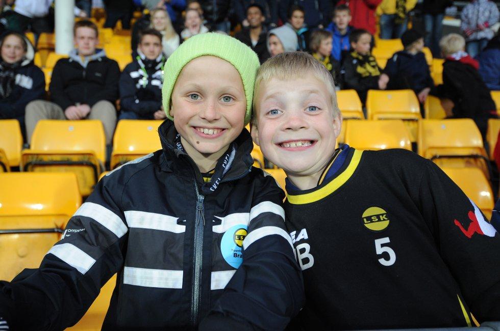 VET SVARET: Emil Rodem og Mathias Bredesen synes kampen er snn passe. LSK må bli bedre på skudd mot mål, mener de. (Foto: Vidar Sandnes                   )