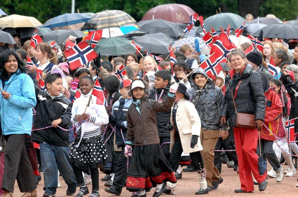Nord-Norge kan glede seg over de beste værutsiktene for nasjonaldagen. I Oslo (bildet) er det mer usikkert...