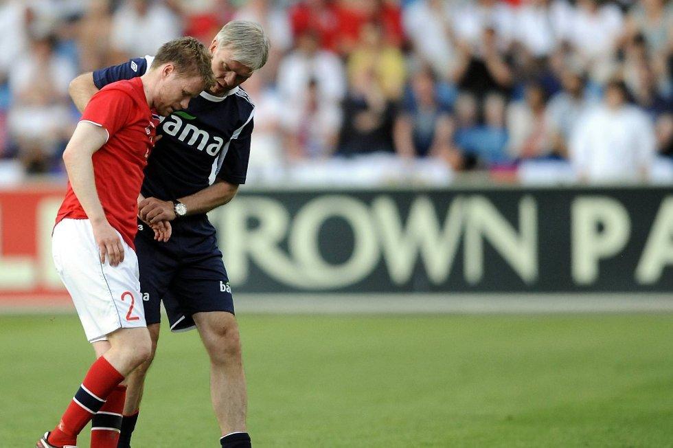 Tom Høgli måtte ut med skade mot England, men håper å være klar mot Kroatia.