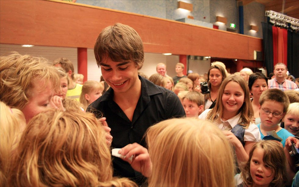 Til Oppdal: Alexander Rybak kommer til Oppdal i høst. Her fra da han var på Berkåk høsten 2009. (Arkivfoto: Ellen Flå)