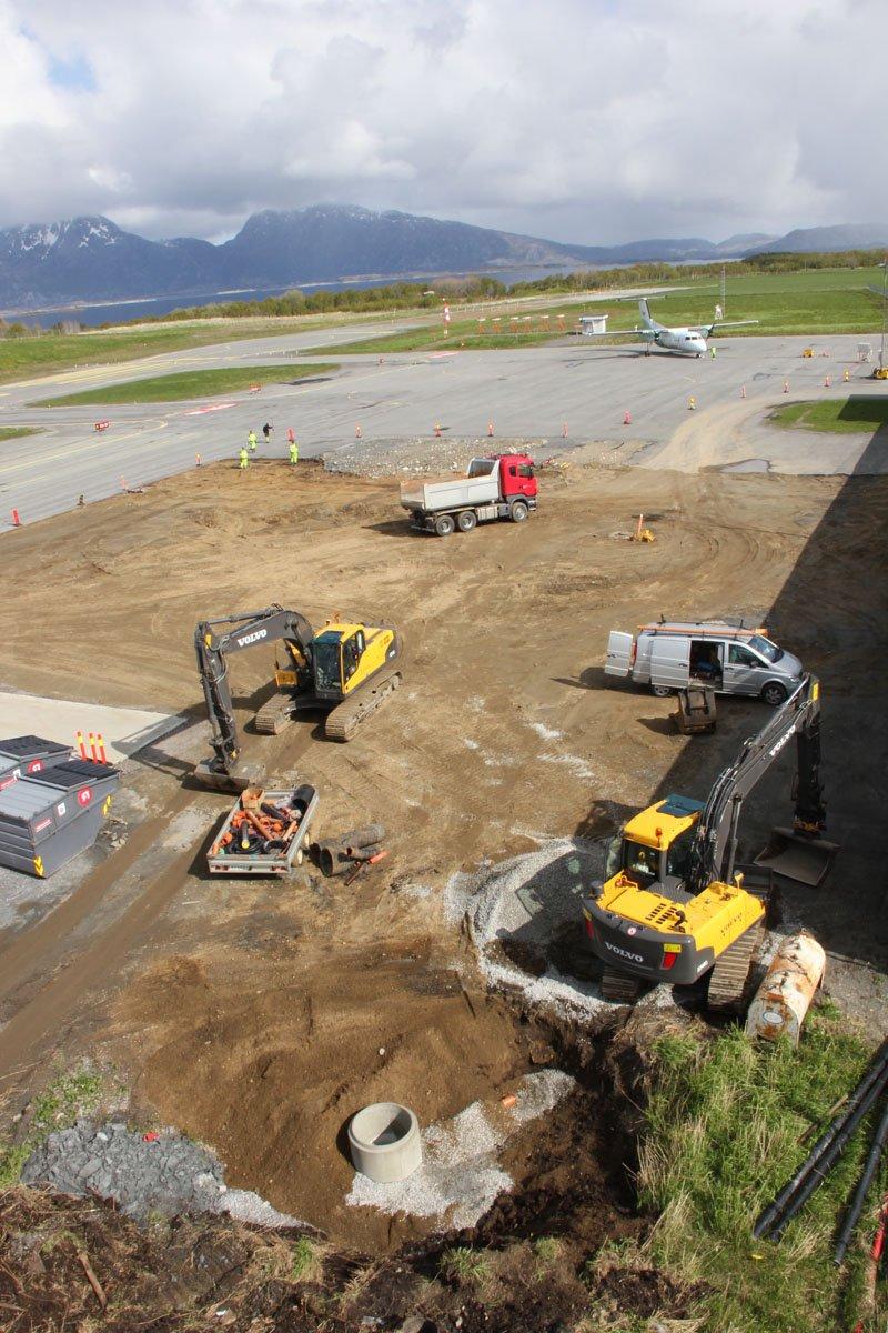 Stokka: Her lager Avinor tre oppstillingsplasser for ikke-kommersielle flygninger. 1. juni 2012. Foto: Lars Olve Hesjedal (Foto: )