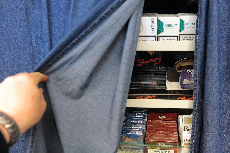 Philip Morris har saksøkt Norge på grunn av forbudet mot synlig oppstilling av tobakk.