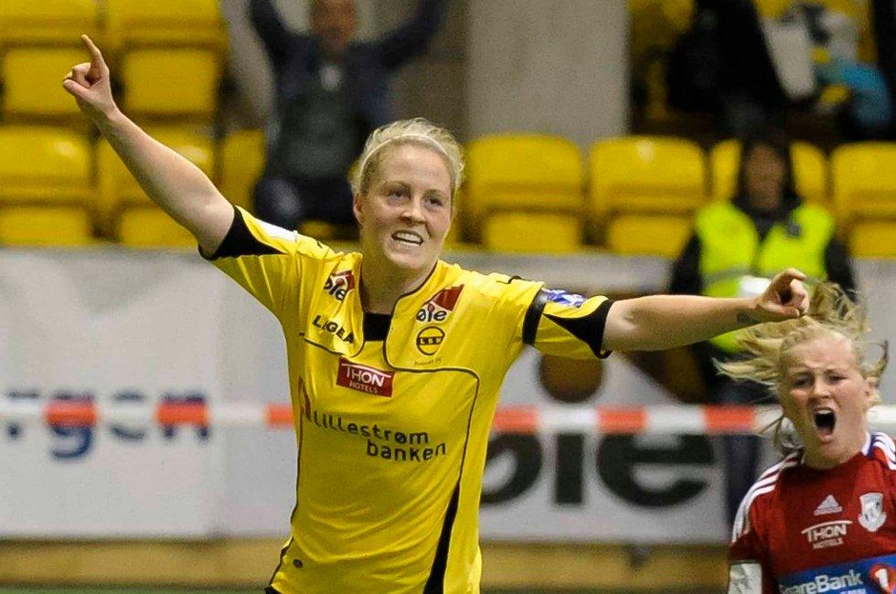 VANT: Isabell Herlovsen og LSK Kvinner slo Stabæk i toppkampen i LSK-hallen. FOTO: Geir Egil Skog