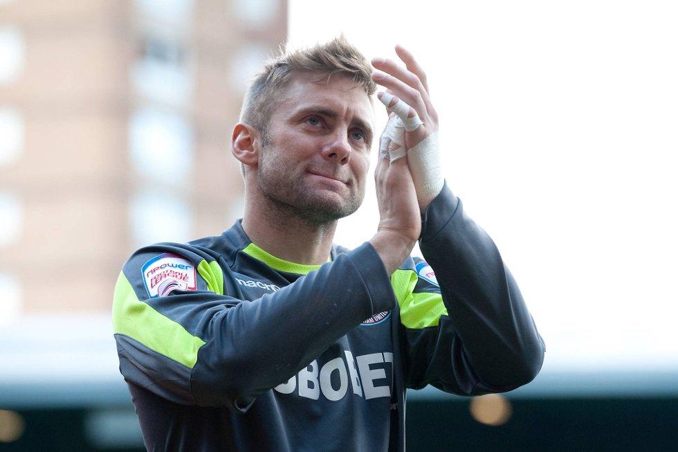 Landslagskeeper Robert Green forlater West Ham etter seks sesonger i klubben.