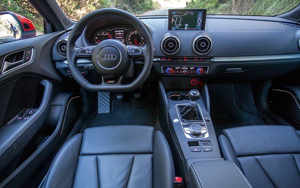 På interiørsiden får vi en viss følelse av at Audi har hentet inspirasjon fra BMW.
