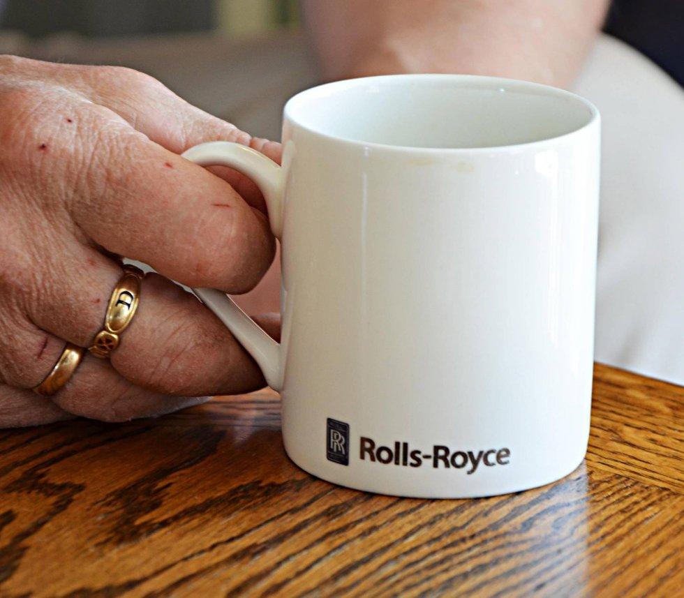 Entusiast: Med egne Rolls-Royce kopper kan Solhaug karakteriseres som en skikkelig Rolls-entusiast.