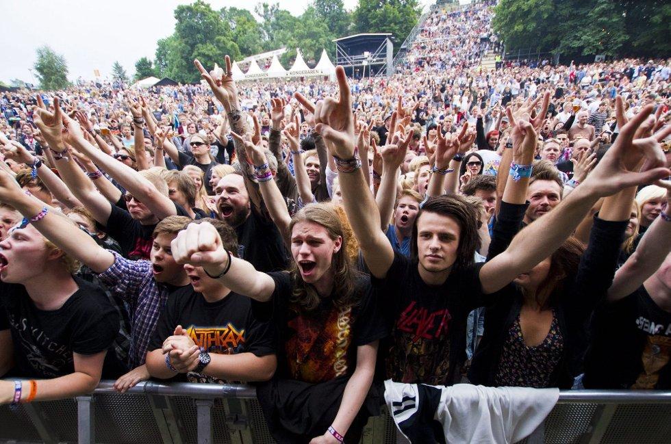 FESTIVALSOMMER?: Publikum under Anthrax-konserten på siste sommers Slottsfjellfestival i Tønsberg. FOTO: NTB Scanpix