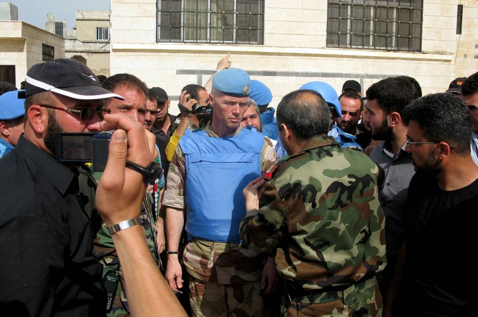 FNs observatørstyrke i Syria har innstilt oppdraget. Her generalmajor Robert Mood.