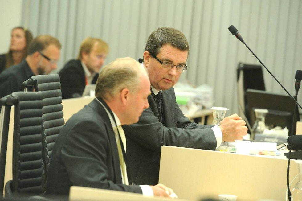 De sakkyndige Terje Tørrissen (t.v.) og Agnar Aspaas skal nå i vitneboksen.