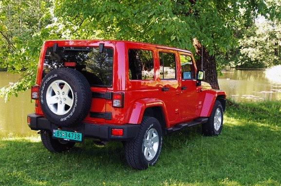 Slik ser Jeep Wrangler anno 2012 ut bakfra.